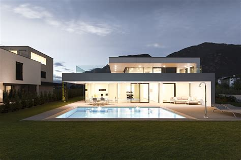Having A Modern Big House Architecture