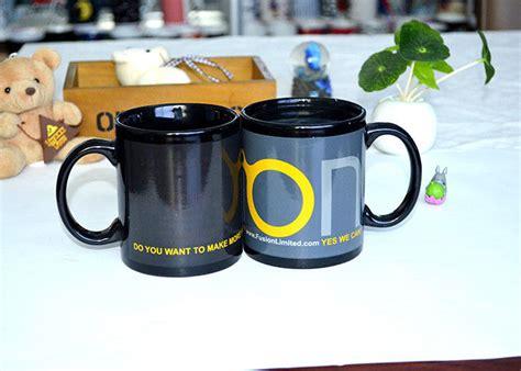 The mug starts as a plain black colored mug then slowly reveals the photo after you poor warm coffee or tea in it. Fashion Ceramic Printed Magic Coffee Mug , Color Changing Heat Sensitive Mug Custom