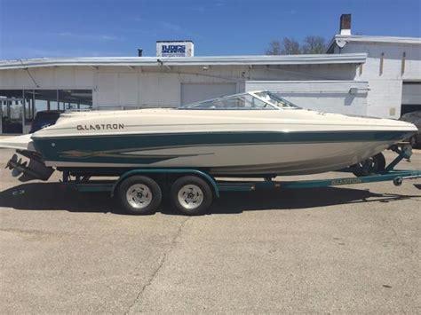 Boat Rental Ottawa Il by 2000 Glastron Gx225 22 Foot 2000 Glastron Gx Motor Boat