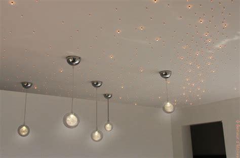 etoile chambre plafond embellir éclairage avec un plafond étoilé batirenover