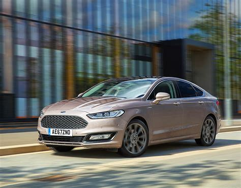 New Ford Mondeo 2017 In Pictures  Pictures Pics