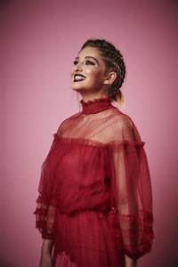 Willow Shields - Variety Portrait Studio at Beautycon ...