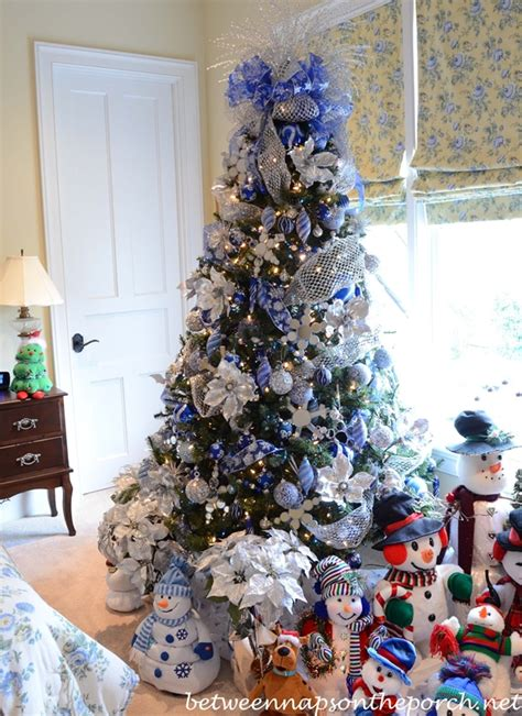 victorian home decorated  christmas