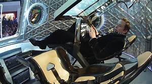 SpaceX unveils Dragon V2, the world's first commercial ...