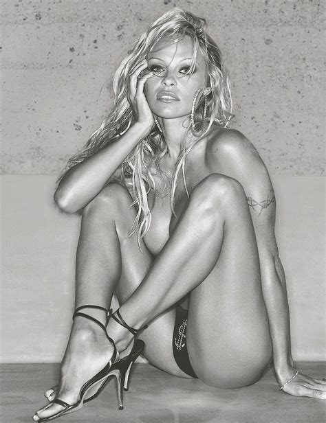 pamela anderson nude and sexy photos celebrity nude leaked