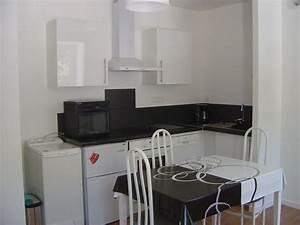 Appartement F2 Définition : appartement f2 centre ville 50 m plage tal homelidays ~ Melissatoandfro.com Idées de Décoration