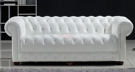 canapé cuir blanc but photos canapé chesterfield cuir blanc