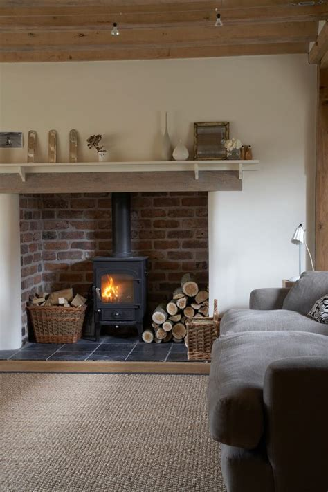cottage style fireplaces 25 best ideas about fireplaces on fireplace