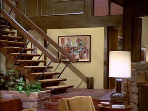 what does the of the interior do set why choose the brady bunch house lancasteronline