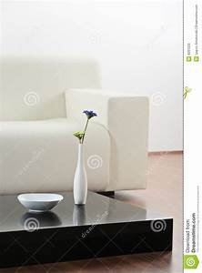 Vase Für Eine Blume : ein vase und eine blume am tisch stockbild bild 9297223 ~ Sanjose-hotels-ca.com Haus und Dekorationen