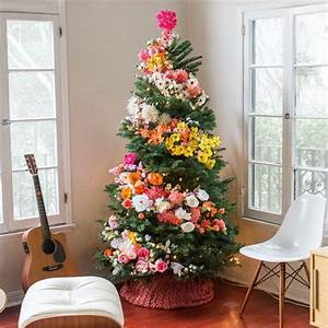 Christmas Tree Lights Blinking How To Stop People Use Flowers To Decorate Their Christmas Trees And