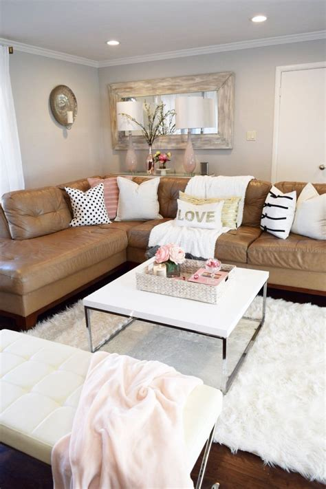 decoration pieces for living room leather sofa decorating ideas tanned leather sofas are the decorating trend of 2017