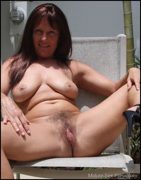hot hairy milf spread legs on the chair mature sex press
