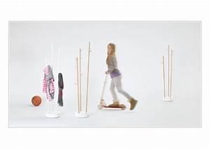 Garderobe Für Kinder : sticks mini garderobe f r kinder von formvorrat bei ~ Frokenaadalensverden.com Haus und Dekorationen