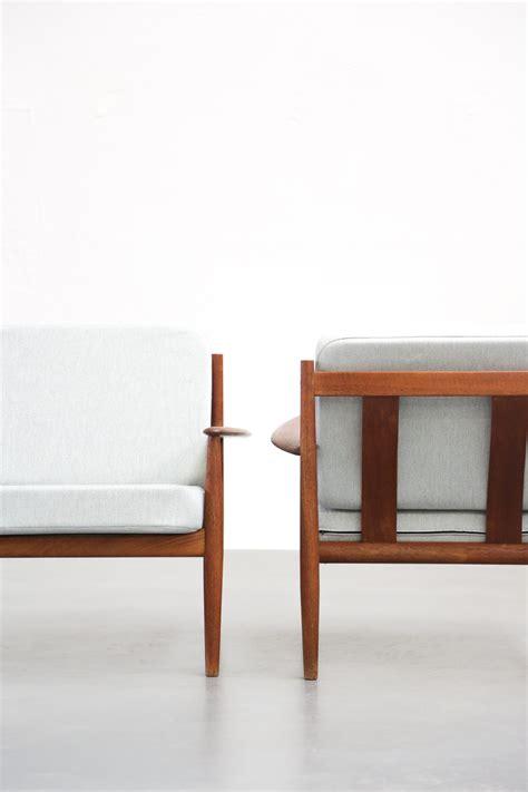 cassina canapé paire de fauteuils scandinave grete jalk danoise danke galerie