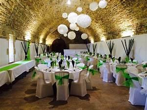 Idee Deco Salle De Mariage : quelles fleurs pour la d coration de votre mariage blogueuse mode lifestyle ~ Teatrodelosmanantiales.com Idées de Décoration