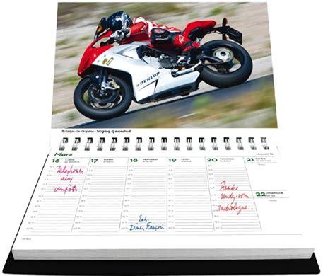 agenda sur le bureau agenda de bureau et calendrier motos de légende
