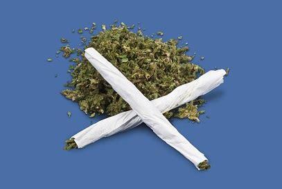 teens smoking marijuana     alcohol