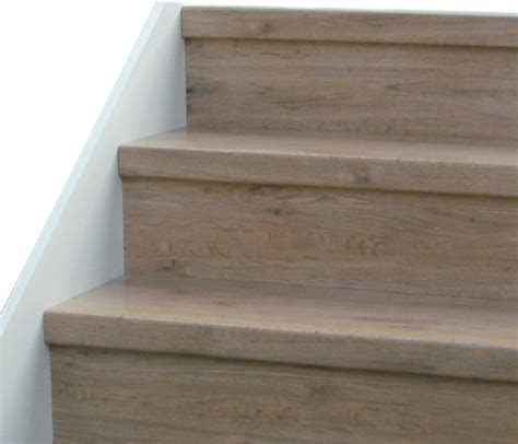 Stair Simple Stair Design With Maple Wood Treads And Riser Interiors Inside Ideas Interiors design about Everything [magnanprojects.com]