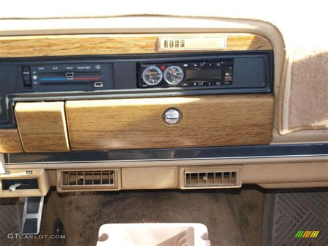 1991 jeep wagoneer interior 1991 jeep grand wagoneer 4x4 controls photo 40917001