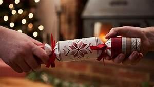 Acheter Des Crackers De Noel : diy des crackers de no l faire avec les enfants ~ Teatrodelosmanantiales.com Idées de Décoration