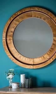 Runde Spiegel Mit Rahmen : die besten 25 spiegel mit rahmen ideen auf pinterest spiegel rahmen spiegel anmalen und ~ Bigdaddyawards.com Haus und Dekorationen
