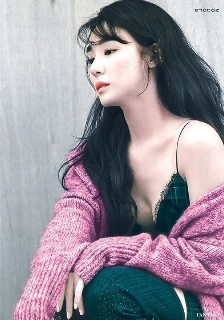 top  sexiest   tiffany young daily  pop news