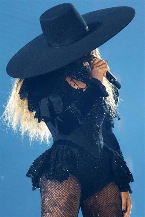 jreed1703 | Beyonce costume, Beyonce pictures, Beyonce queen