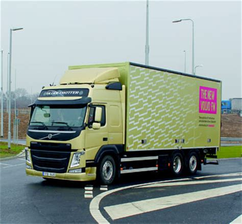 latest volvo commercial new volvo fms reach uk shores commercial motor