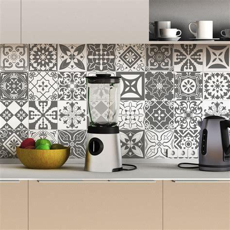 stickers carrelage cuisine 30 stickers carreaux de ciment nuances de gris varsovie