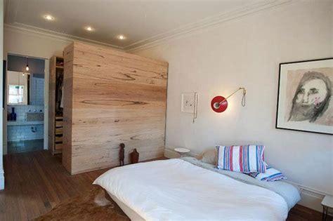 kleines schlafzimmer begehbarer kleiderschrank begehbarer kleiderschrank im schlafzimmer aus australien