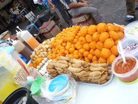 cuisine philippine well known food in the philippines
