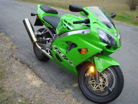 Zx-9r 2003 Crotch Rocket.jpg