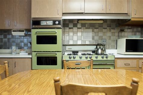 avocado green kitchen kitchen flooring options best flooring for kitchens 1396