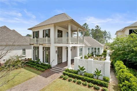 style home plans with courtyard charleston style courtyard home highland homes bevolo