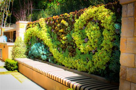 How To Make A Living Wall?-herb Garden Design
