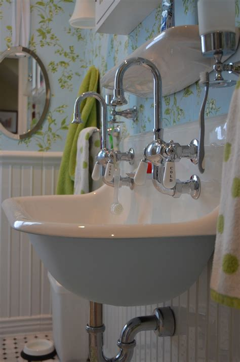Sinks For Bathrooms by 35 Great Pictures And Ideas Of Vintage Ceramic Bathroom Tile