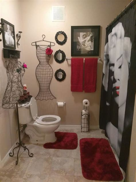 luv  red  black marilyn monroe bathroom red