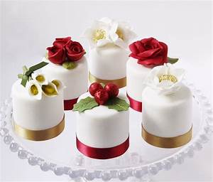 Mini Cakes - Luxury Christmas Collection The Cookery