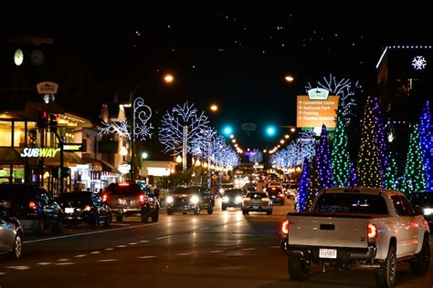 christmas lights  gatlinburg tn decoratingspecialcom