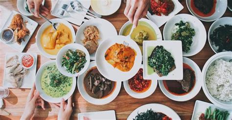 destinasi wisata kuliner favorit  indonesia
