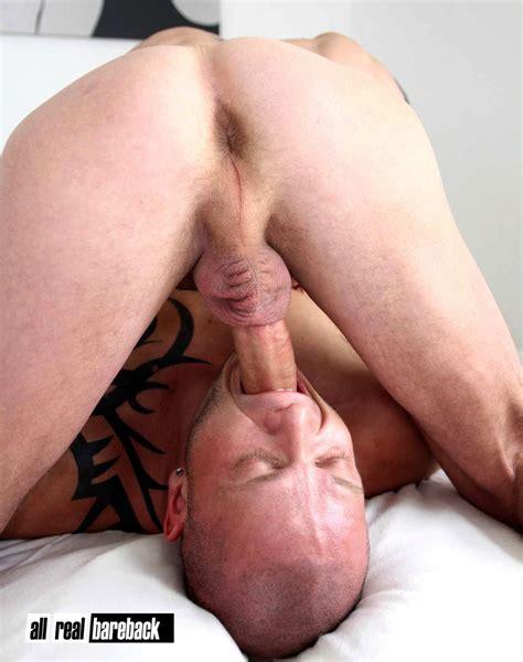 Amateur Hung British Top Barebacks A german Muscle Bottom gay Men sex Blog