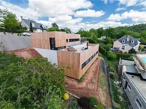 maison bois avec terrasse et bassin de nage en beton With maison en beton banche 2 mlel dank architectes