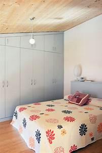 Schlafzimmer Günstig : schlafzimmer atemberaubend schlafzimmer mit berbau ~ Pilothousefishingboats.com Haus und Dekorationen