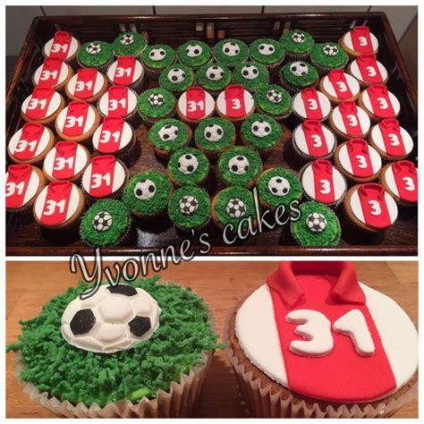 taart decoratie ideeen ajax cupcakes traktatie idee 235 n pinterest eerste