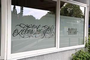 Sichtschutz Für Fensterscheiben : schaufensterbeschriftung j ckel buchstaben wir beleuchten ihre ideen ~ Markanthonyermac.com Haus und Dekorationen