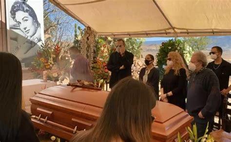 el funeral de la cantante flor silvestre esposa de