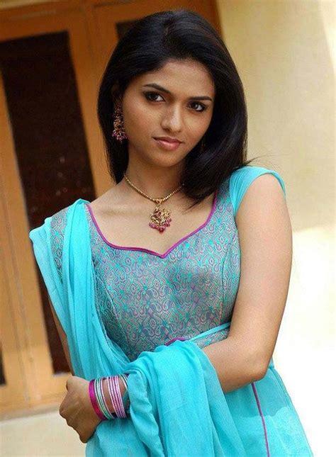 Tamil Actress Photos Tamil Hot Actress Pics Tamil Actress Sexy Wallpapers