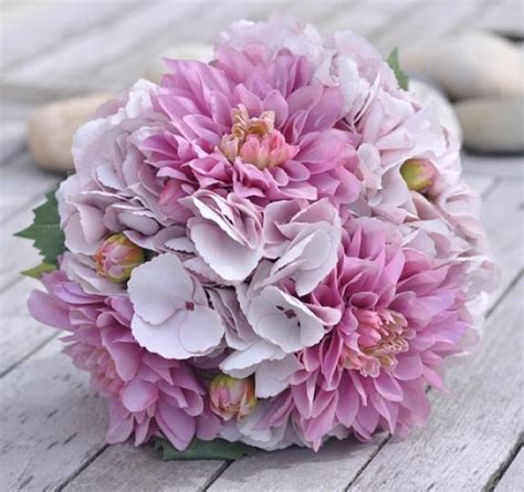 wedding bouquet bride bouquet lavender purple dahlia