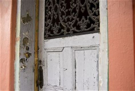 how to secure a door from being kicked in pop a lock locksmith new orleans la